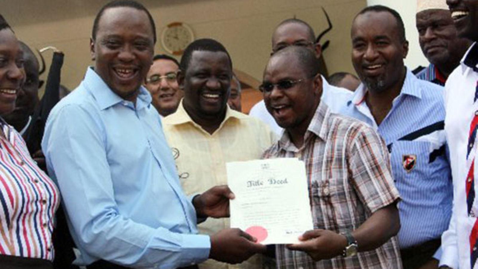 Uhuru issues land titles